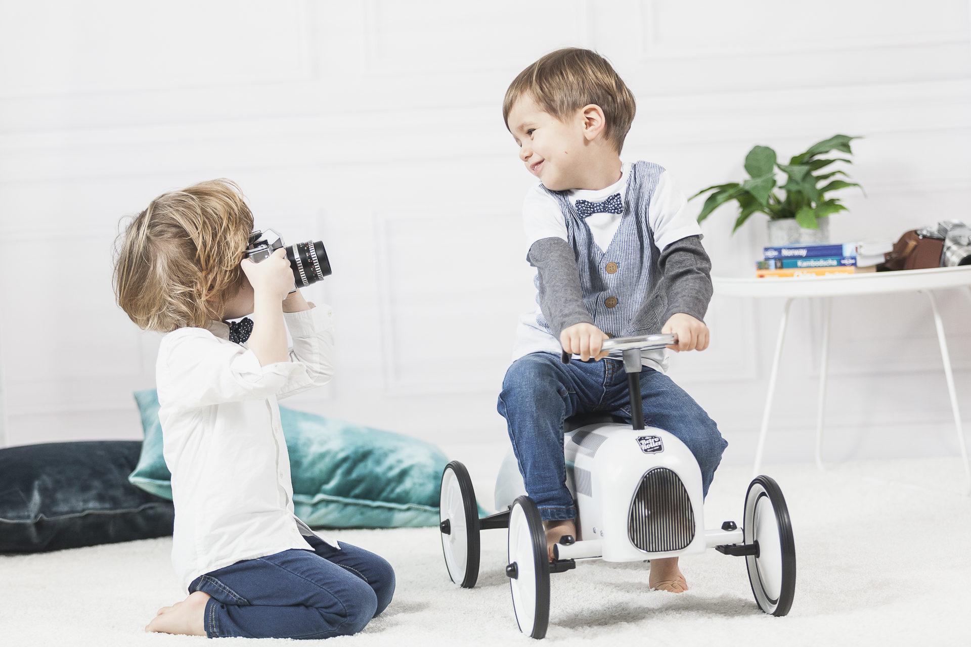 """little Photographers"""
